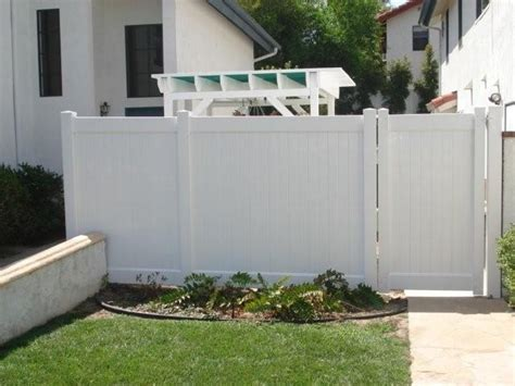 privacy fence front yard another front yard privacy fence idea for the home
