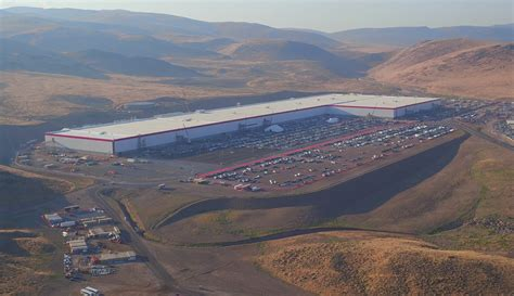tesla nevada governor welcome in usa parkway connecting
