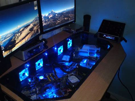 Awesome Gaming Desks Cool Custom Computer Cases Part 2 Awesome Alienware And Custom Desk