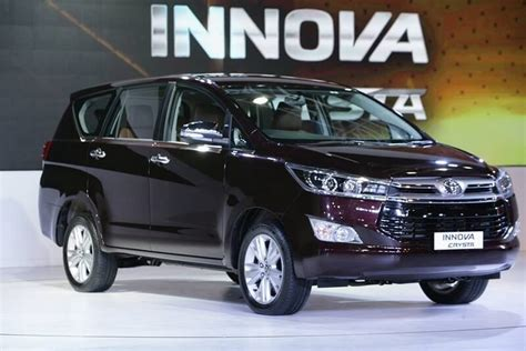 New Innova Size Xl toyota innova crysta petrol price range specifications mileage