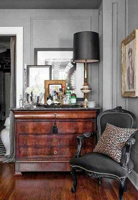 ways  incorporate antique chairs  modern decor