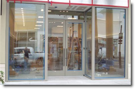 Glass Door Store by Tempered Glass Doors Ny Glass Company New York Emergency Glass Board Ups Commercial Door