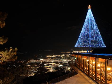 bionic woman to light palm springs aerial tram christmas