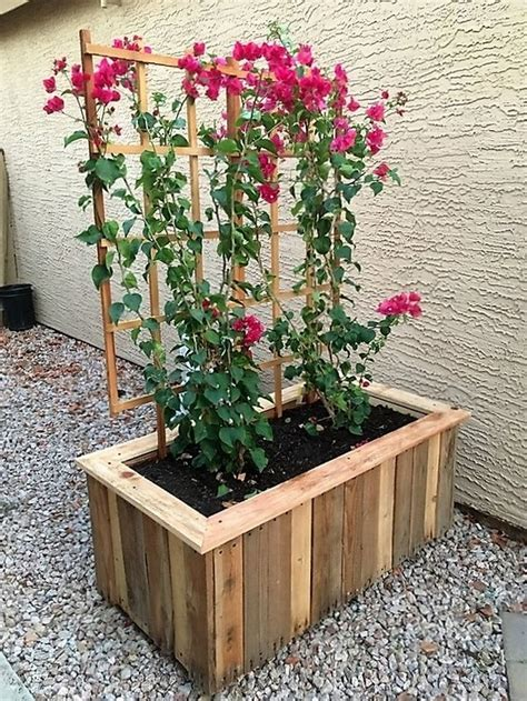 Wooden Garden Planters Ideas by 25 Best Ideas About Wood Pallet Planters On
