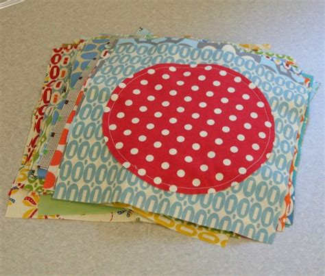 Circle Quilt Block Tutorial by Cluck Cluck Sew Free Quilting Tutorial Edge Circle Quilt