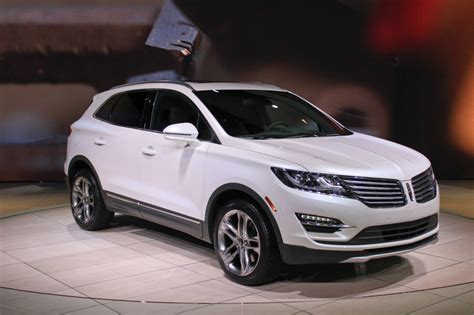 lincoln crossover 2015 2015 lincoln mkc compact crossover pioneers new ecoboost