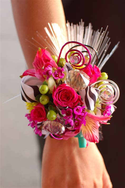 are corsages in style prom time what is your prom style