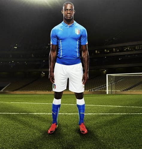 Blouse Baloteli New new italy world cup 2014 kits italia home and away jerseys 2014 15 football kit news