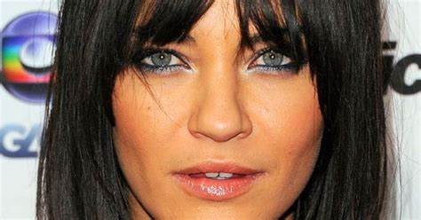 bangs for inverted triangle face shape the best and worst bangs for inverted triangle faces