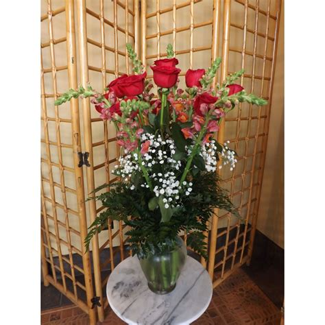 green bench flowers green bench flowers gifts roses and snapdragons