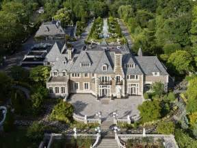gatsby mansion there s a gatsby esque mansion on long island and it just