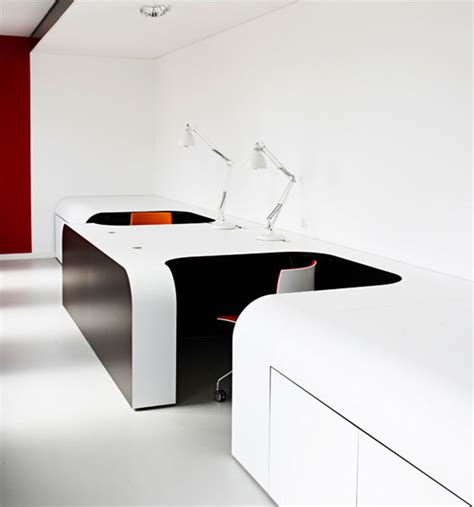 Futuristic Office Desk Syzygy Hamburg Smooth And Clean Office Interior Design Designtodesign Magazine