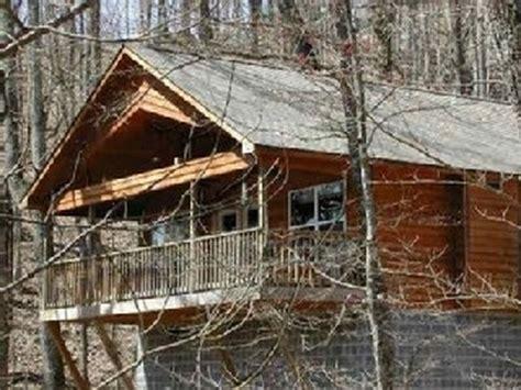 Gatlinburg Tn Cabins Pet Friendly by Vacationrentals411 Gatlinburg Tennessee Pet