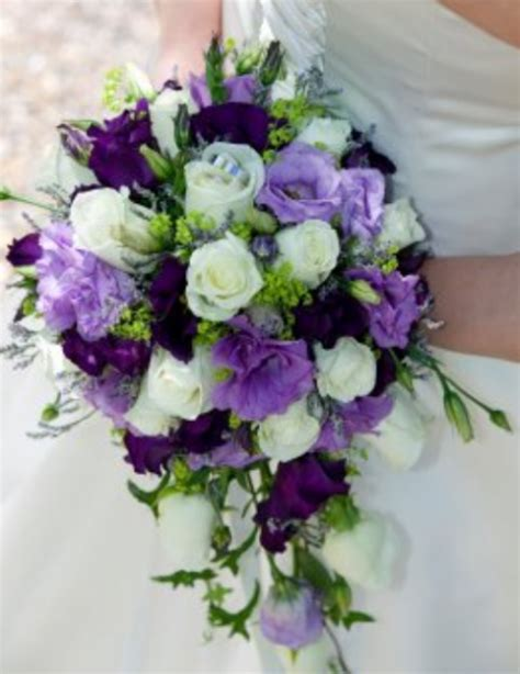 light purple flowers image flowers in bloom green light lavender and purple lisianth png