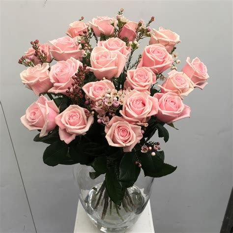 A Vase Of Roses by 20 Stem Pink Roses In A Vase