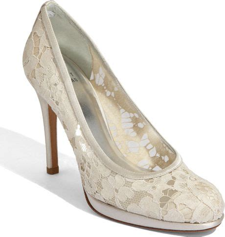 stuart weitzman ivory cut out leather idol pumps in white