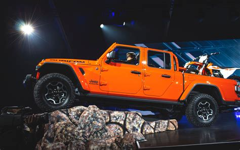 how much is the 2020 jeep gladiator 2020 jeep gladiator orders begins half of april but