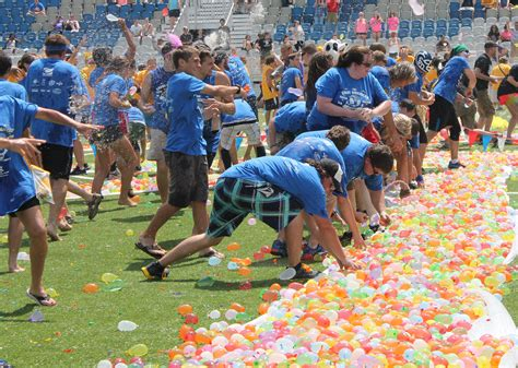 Hundreds attend the great american water balloon fight www wpxi com