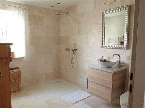Badezimmer Fliesen Deckenhoch 220 ber 1 000 ideen zu naturstein waschbecken auf