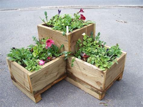 fiori per fioriere fioriere angolari vasi e fioriere caratteristiche e
