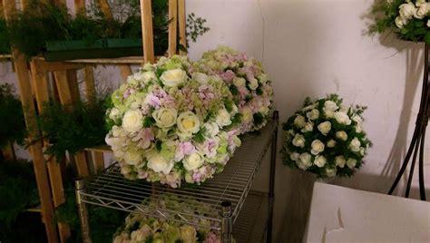 composizione fiori matrimonio chiesa composizioni floreali chiesa ik07 187 regardsdefemmes