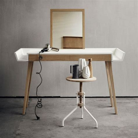 How To Build A Vanity Table by The Makeup Table