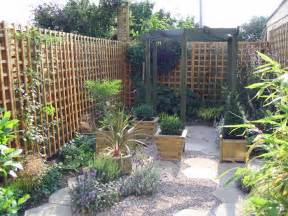 Small Courtyard Garden Ideas Knowing Small Backyard Design Ideas Benny Sam