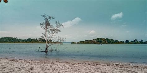 wisata pantai  batam   hits pesisir