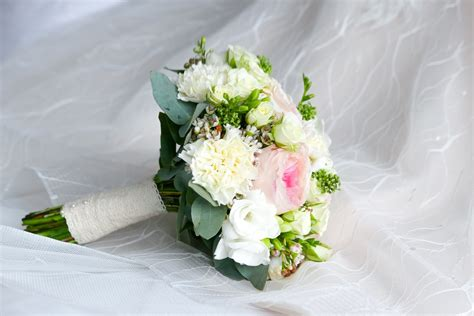 Wedding Flowers Images by Wedding Bouquet Pictures Free Images On Unsplash