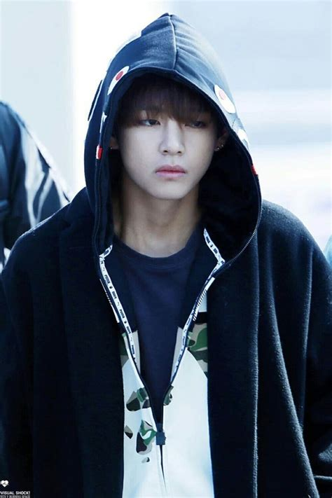 imagenes sad bts why the sad face taehyung on we heart it
