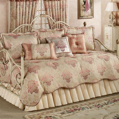 chandon damask 5 pc daybed bedding set