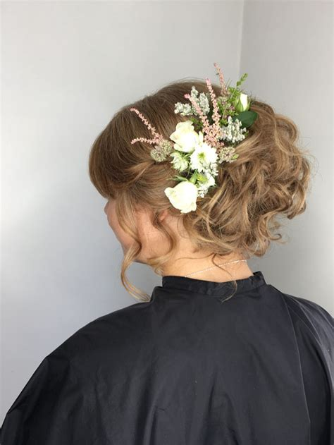 10 bridal hairstyles for a summer wedding