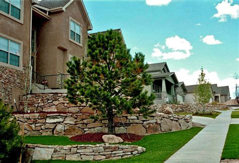 Siloam Stone Boulder Retaining Walls Colorado Quarry Landscapers Colorado Springs