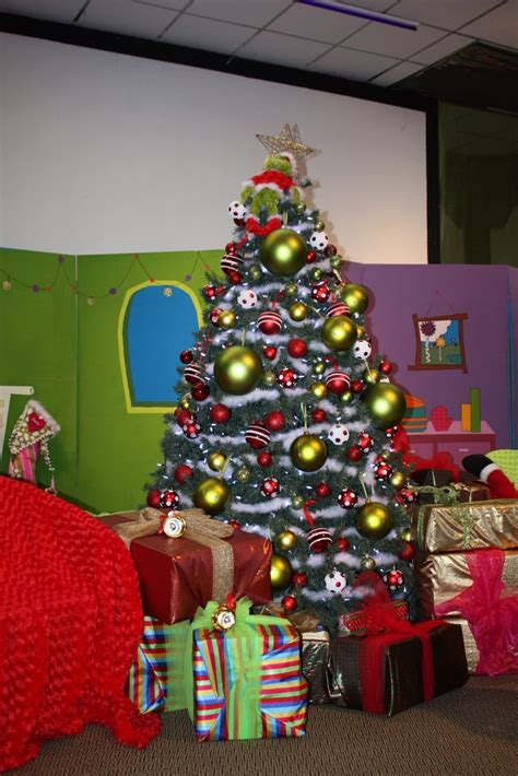 grinch christmas ideas 17 best images about grinch on the grinch stole grinch and