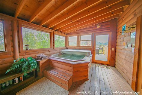 10 bedroom cabins in pigeon forge pigeon forge cabin fox n socks 3 bedroom sleeps 10