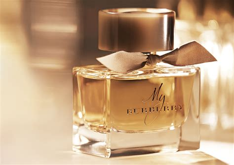 win kate s and cara s burberry parfume youblush