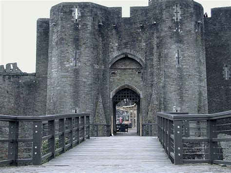 the gate house caerphilly castle