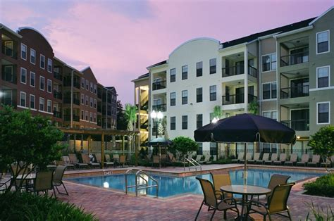 Upscale Apartments Gainesville Fl Wildflower Luxury Apartment Homes Exterior With Pool View