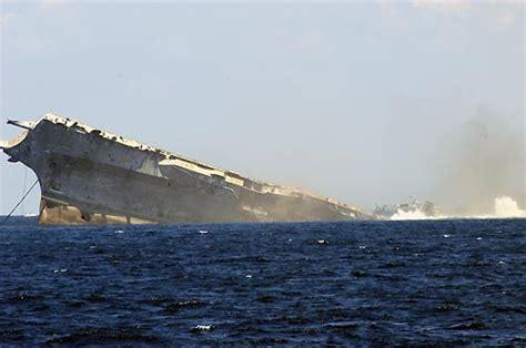 nuove portaerei americane la vecchia portaerei oriskany diventa una barriera corallina