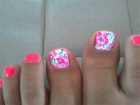 flower design on toes flower toe nail designs nails pinterest flower toe