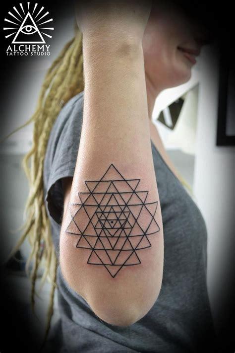 yantra tattoo neck sri yantra tattoo by david at alchemy in ormond melbourne