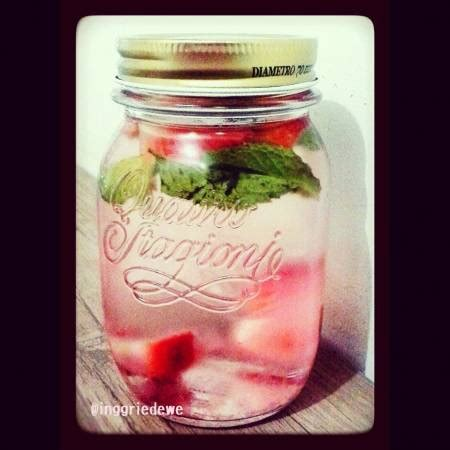 membuat infused water dengan air hangat resep simply infused water oleh inggried wedhaswary cookpad