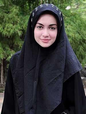 perempuan muslim jilbab ini gan cara iblis merayu muslimah untuk melepas