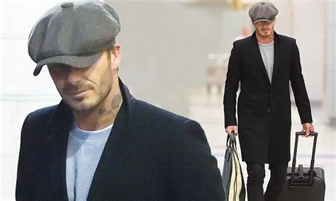 New Arrival Promo Selempang Beckham Nh03bv302 david beckham attempts to go incognito on arrival in new york daily mail