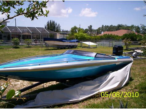 vintage checkmate boats for sale 1988 checkmate starflight powerboat for sale in florida
