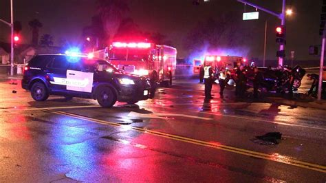 car accidents caused by traffic lights 2 killed after car crashes into traffic signal in san