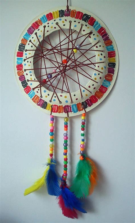 How To Make A Paper Dreamcatcher - craft and activities for all ages paper plate