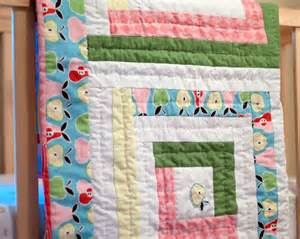 pretty pastels log cabin baby quilt favequilts