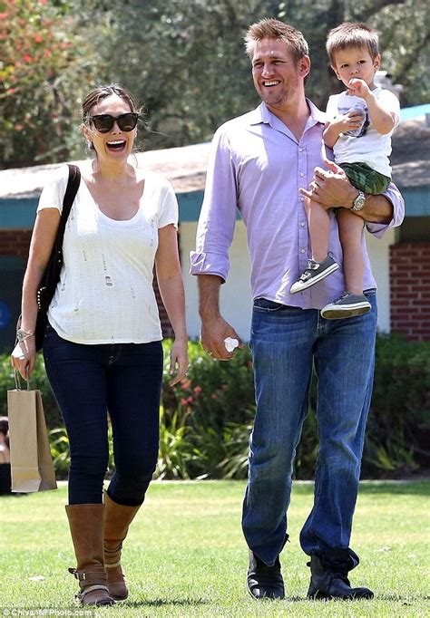 christopher guest cook off curtis stone s pregnant wife lindsay price shows off her