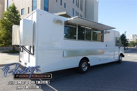 mobile food truck for sale jumeirah dubai 50hz food truck 165 000